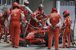 Kimi's practice pit stop for fuelling